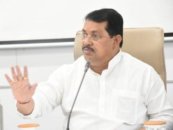minister-vijay-wadettiwar-speaks-on-mumbai-local-schedule-amid-corona-spike