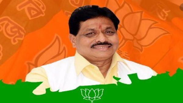 bjp-leader-dilip-gandhi- ahmednagar-passes-away-at-70-news-updates