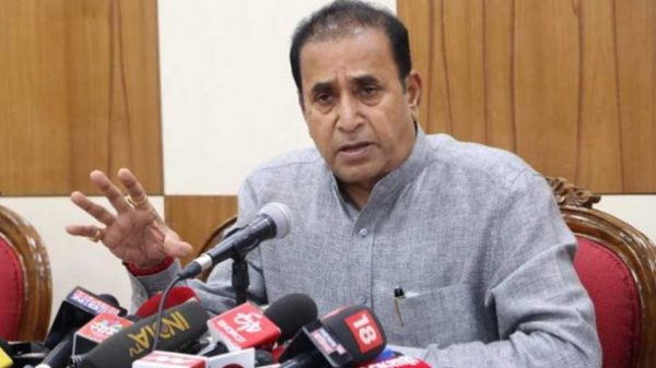 sharad-pawar-shields-hm-anil-deshmukh-said-no-need-to-resignation-big-points-about-parambir-singh-letter-ncp-minister-nawab-malik