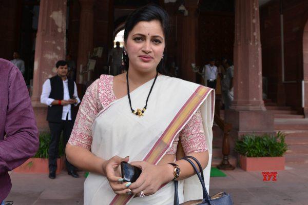 Film actor to Political actor - Navneet Kaur Rana