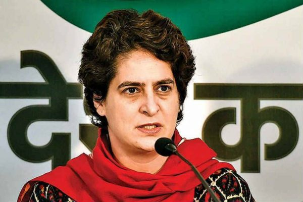 even-if-it-takes-100-weeks-or-100-months-we-will-continue-this-fight-with-you-till-this-government-takes-back-its-black-laws-congress-leader-priyanka-gandhi